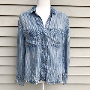 Cloth and Stone Denim Button Down Shirt Size Small